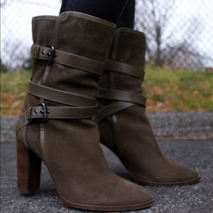 👢Coach Alexandra Olive Suede Boots👢